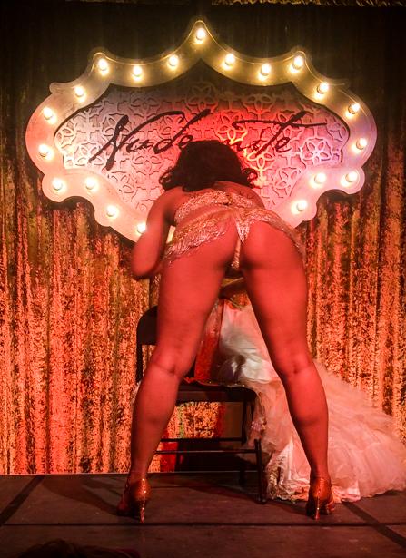 Ebony burlesque dancer at Orlando's Nude night.